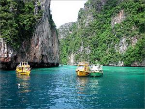 Hong Island & Snorkelling Tour Packages